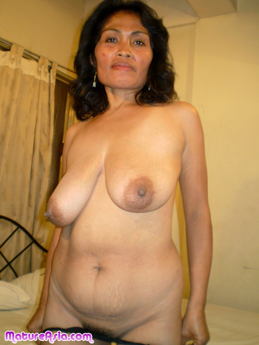 Mature chinese tits